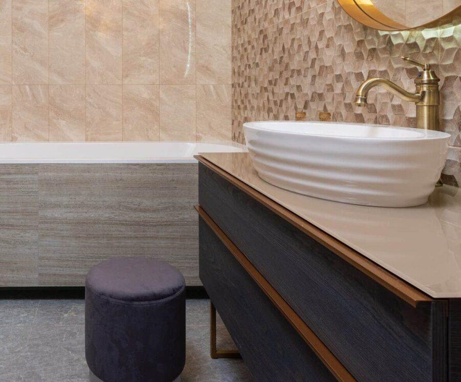 Choisir entre un tabouret, un banc ou une chaise de salle de bain ?